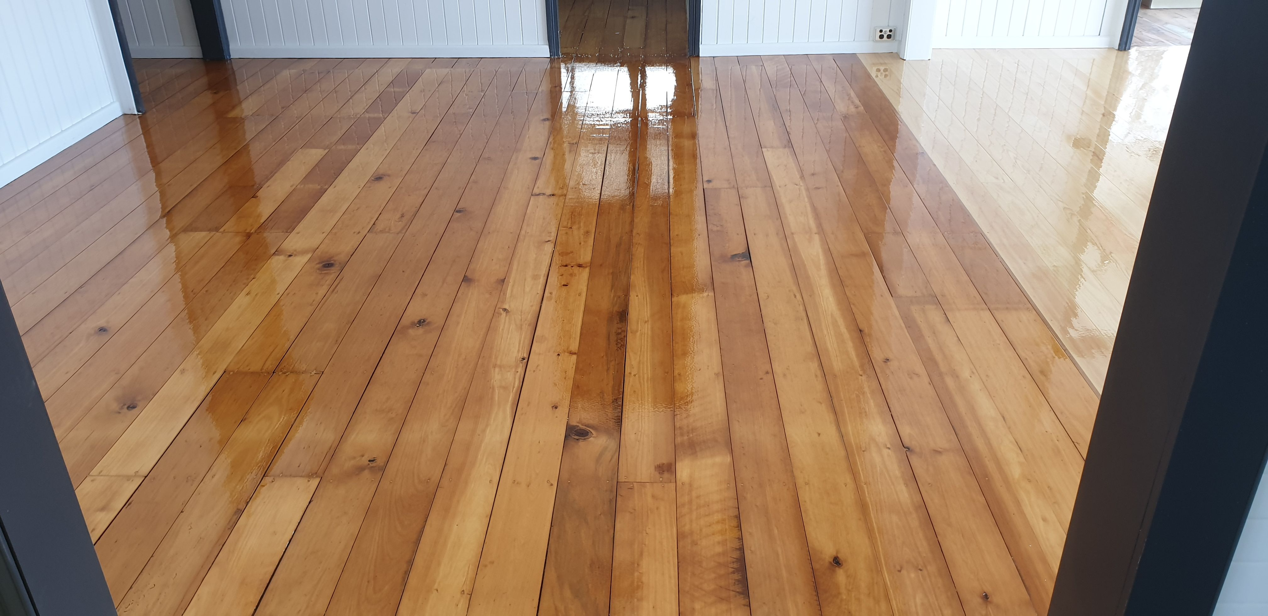 Timber Floor Sanding and polishing on Sunshine Coast, QLD