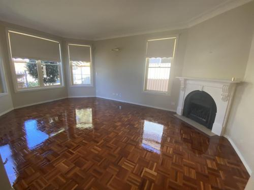 Parquet Flooring Sanding and Polishing
